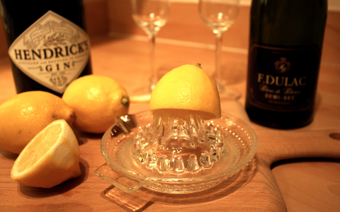 lemon gin and prosecco