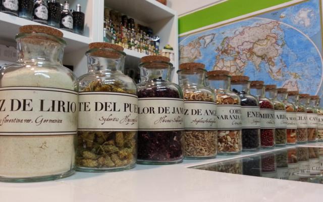 Siderit gin Botanicals crantabrian classic