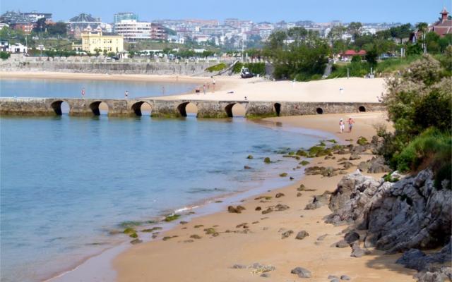 playa de los bikinis blue flag santander siderit gin