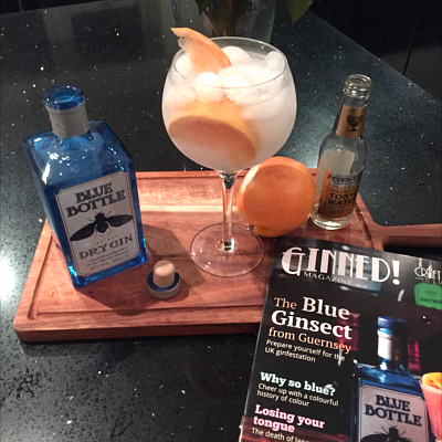 perfect blue bottle gin and tonic with grapefruit