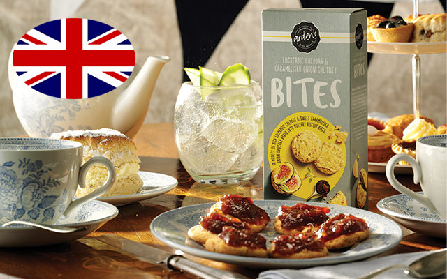 Ardens cheddar and onion bites and a G&T