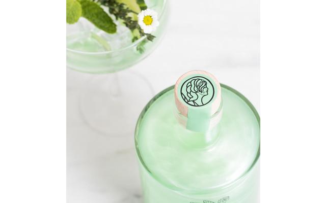 green+pixie+tears+gin+liqueur.png