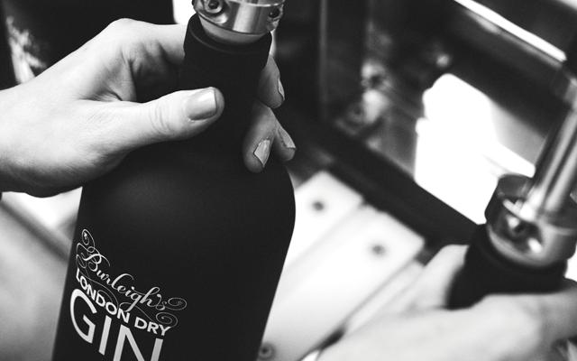 burleighs+hand+bottle+top.png