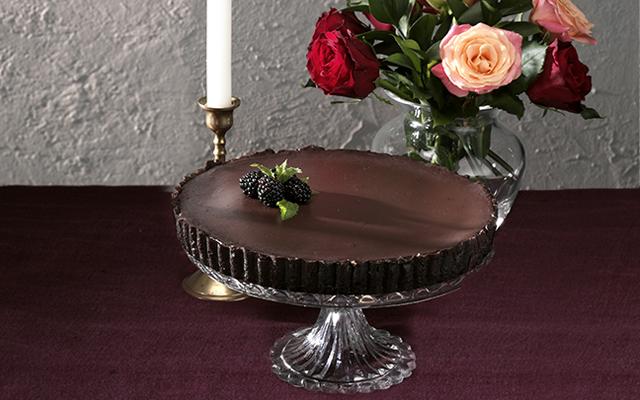 gin+blackberry+dark+chocolate+tart.png