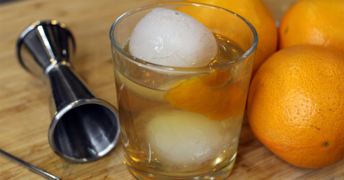 Old fashioned gin cocktail.png