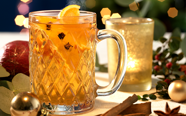 Christmas Cocktail Spiced Syrup.png