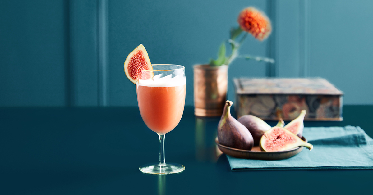 Fig+Sour+Gin+Cocktail+Recipe.jpg