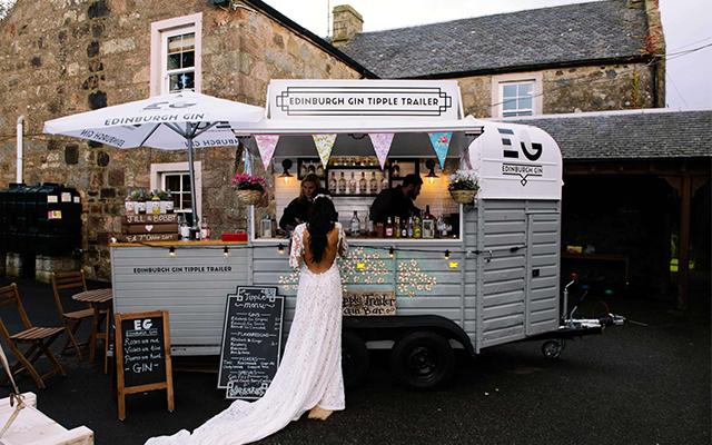 Mobile+Gin+Bar+Weddings.png