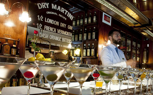 Dry+Martini+Gin+Cocktail+Bar+Barcelona.png