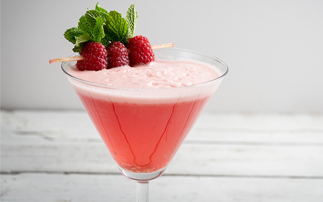 raspberry-gin-cocktail-martini-glass.png
