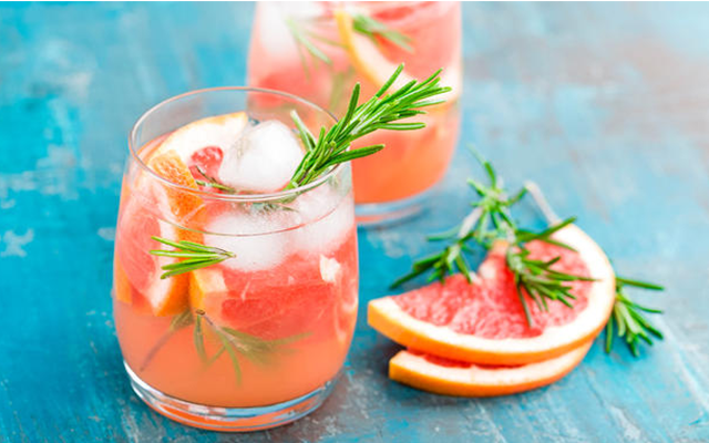 Gin+Grapefruit+Rosemary+Spring+Cocktail.png