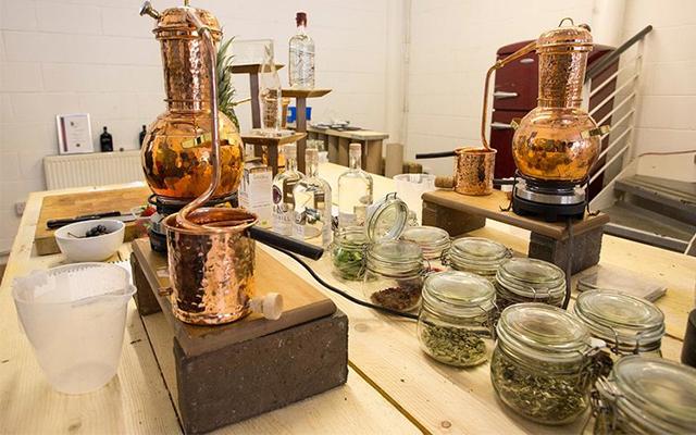 crossbil-gin-school-laboratory.jpg