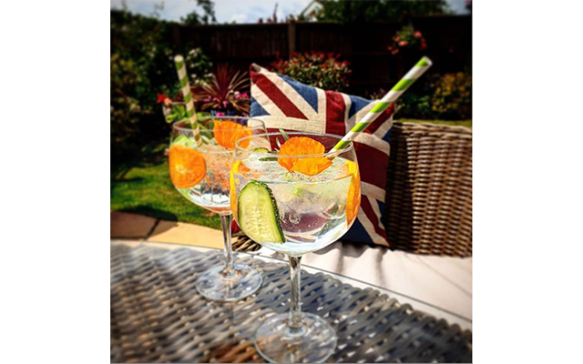 Making the most of the sunshine! Simon H took his Perfect G&T outside for a spot of al fresco sipping!