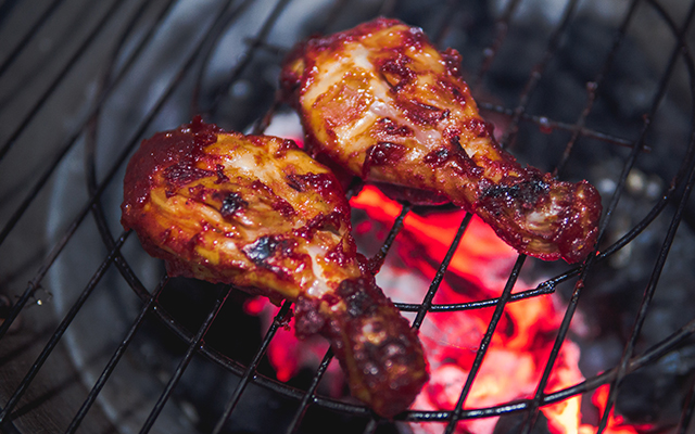 sticky-gin-marinaded-bbq-chicken-wings.jpg