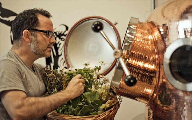 Glendalough+Distillery+adding+botanicals+to+still.jpg