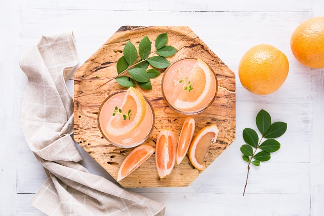 pomelo-grapefruit-orange-gin-cocktail.jpg