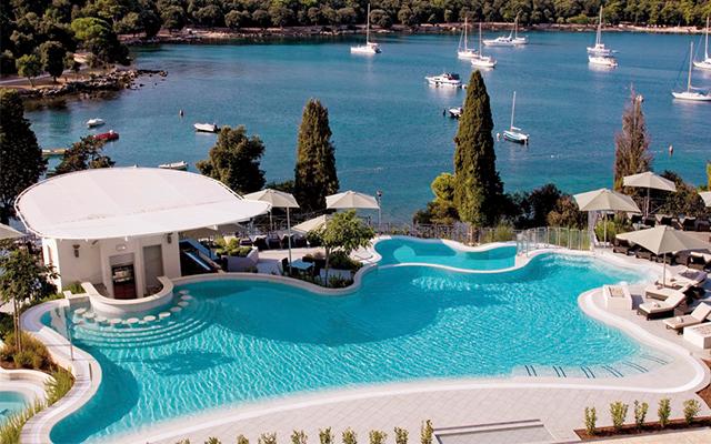 hotel-monte-mulini-swimup-pool-bar.jpg