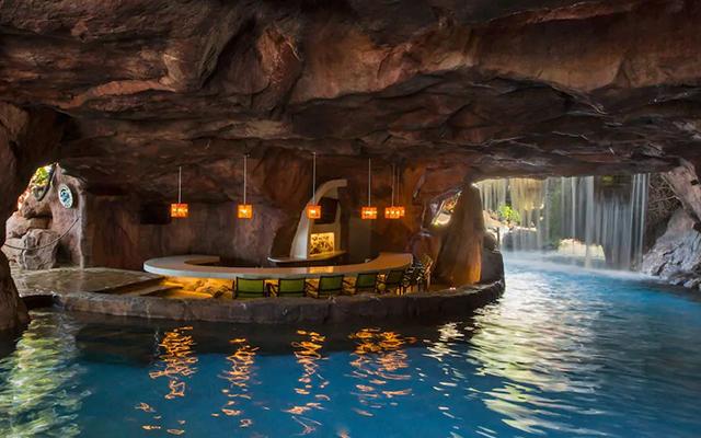 hyatt-regency-maui-cave-bar.jpg