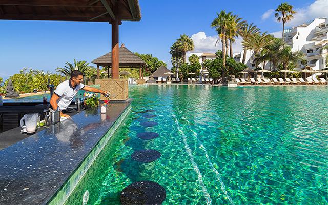 regency-country-club-tenerife-swimup-pool-bar.jpg