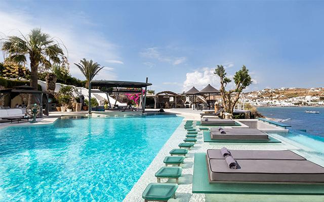kivitos-mykonos-swimup-pool-bar.jpg
