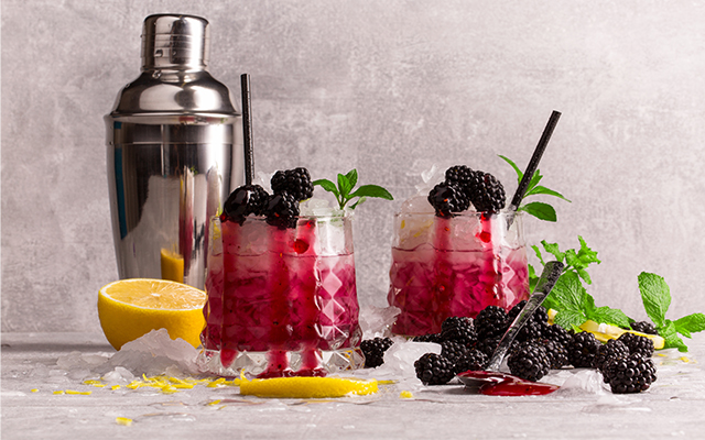 Blackberry-gin-tonic.jpg