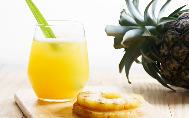Caramelised pineapple, prosecco and gin: an incredible flavour combination!