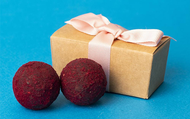 sloe-gin-chocolate-truffle-gift-box.jpg