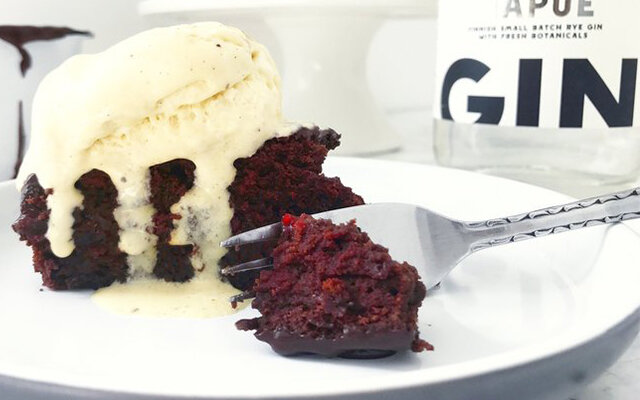 chocolate-gin-cranberry-torte.jpg