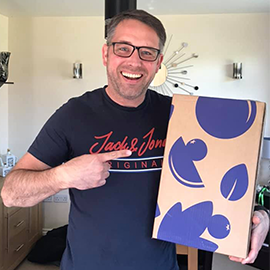 Cheryl's hubby was in charge of being at home to receive their September Gin of the Month box and  couldn't resist a celebratory #GinBoxSelfie  when it arrived! Good work!