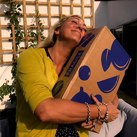If that isn't the look of love, then we don't know what is?! Craft Gin Clubber, Juliet, was over the moon to receive her Gin of the Month box and we honestly can't blame her!