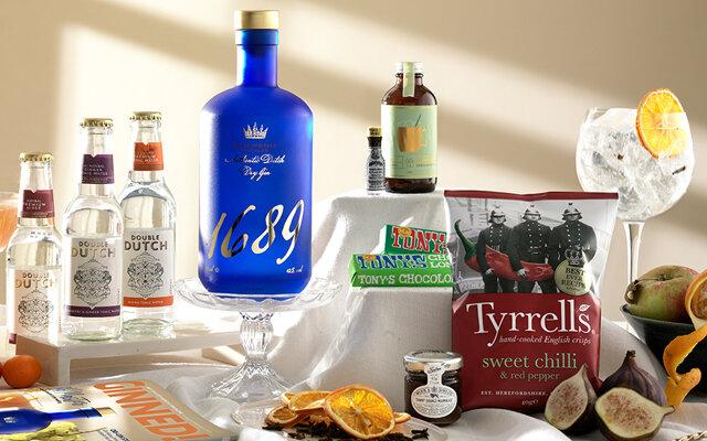 ocotbers+gin+of+the+month+box.jpg