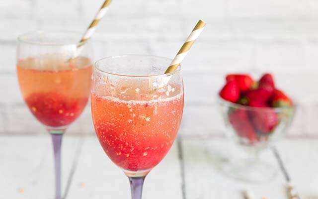 Sparkling-Clementine-Gin-Prosecco-Gold-Cocktail.jpg