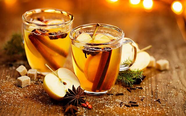 Hot spiced gin and apple punch: get the recipe >>