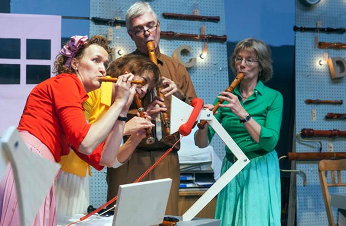 'DRUK WERK' (7+) - 2013  In regie van Gienke Deuten, een productie van BRISK Recorder Quartet Amsterdam.