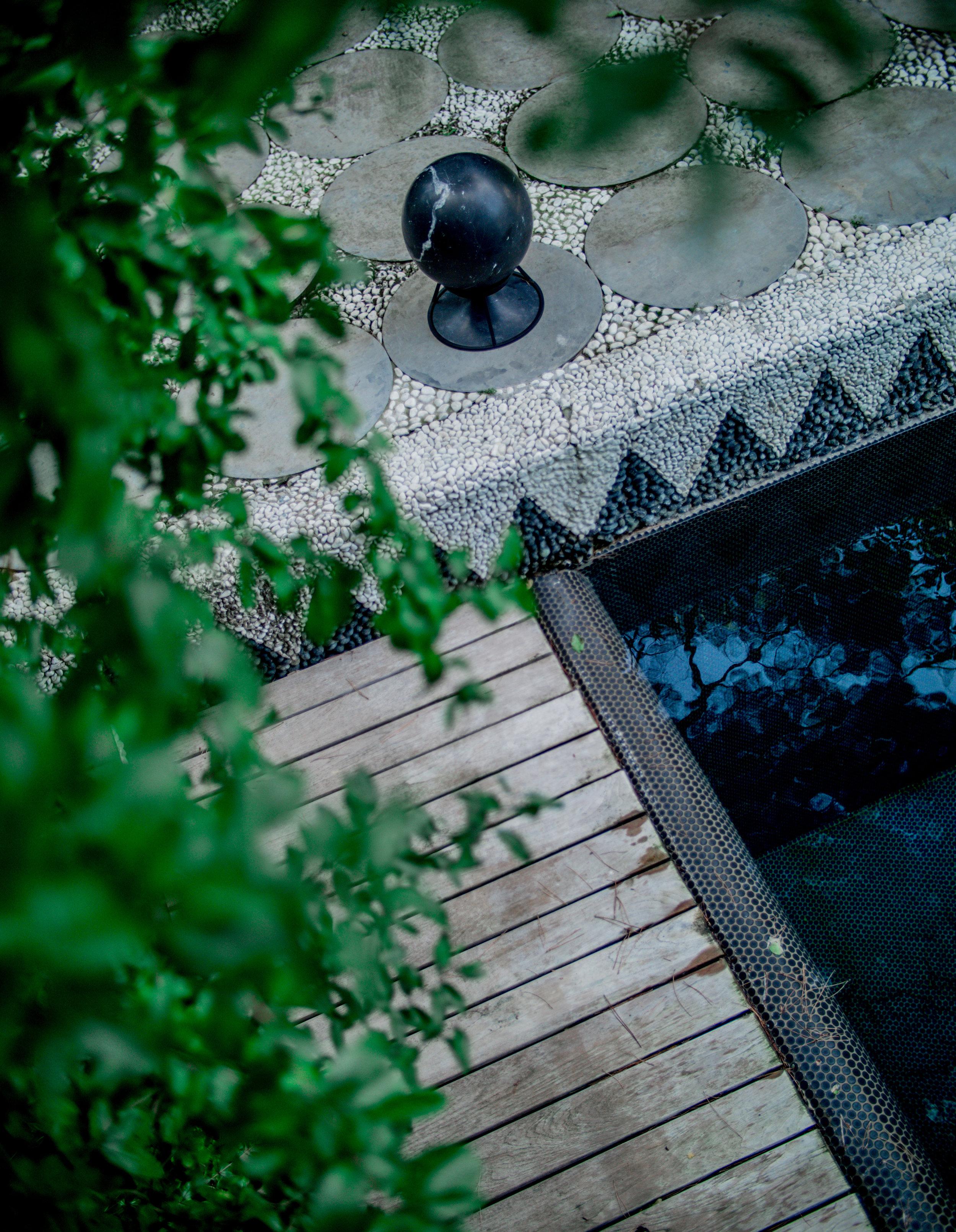 Sphere360_MarquinaBlack.jpg