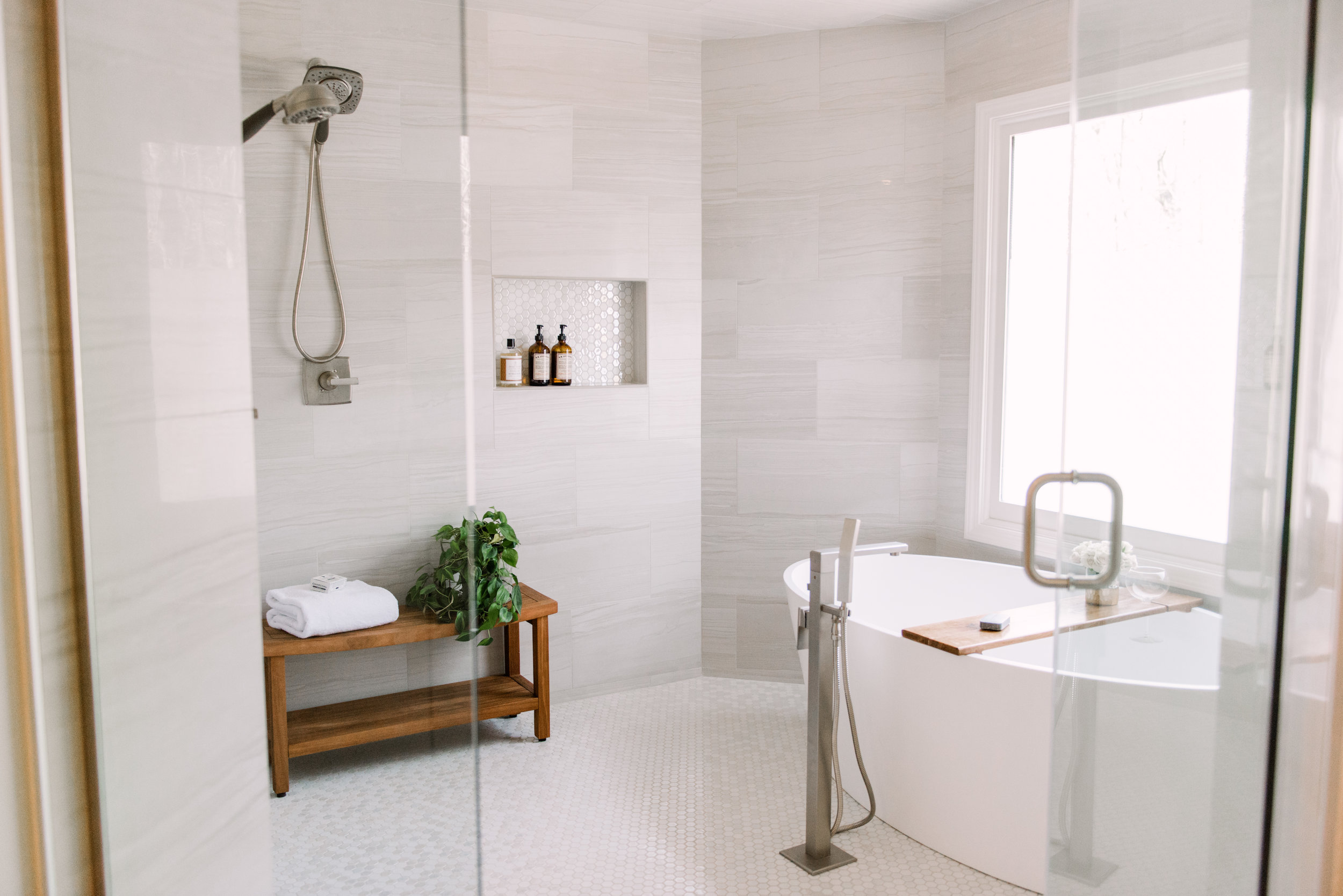 Bathroom designed by Katrina Porter Designs. Photographed by Paula Coldiron.