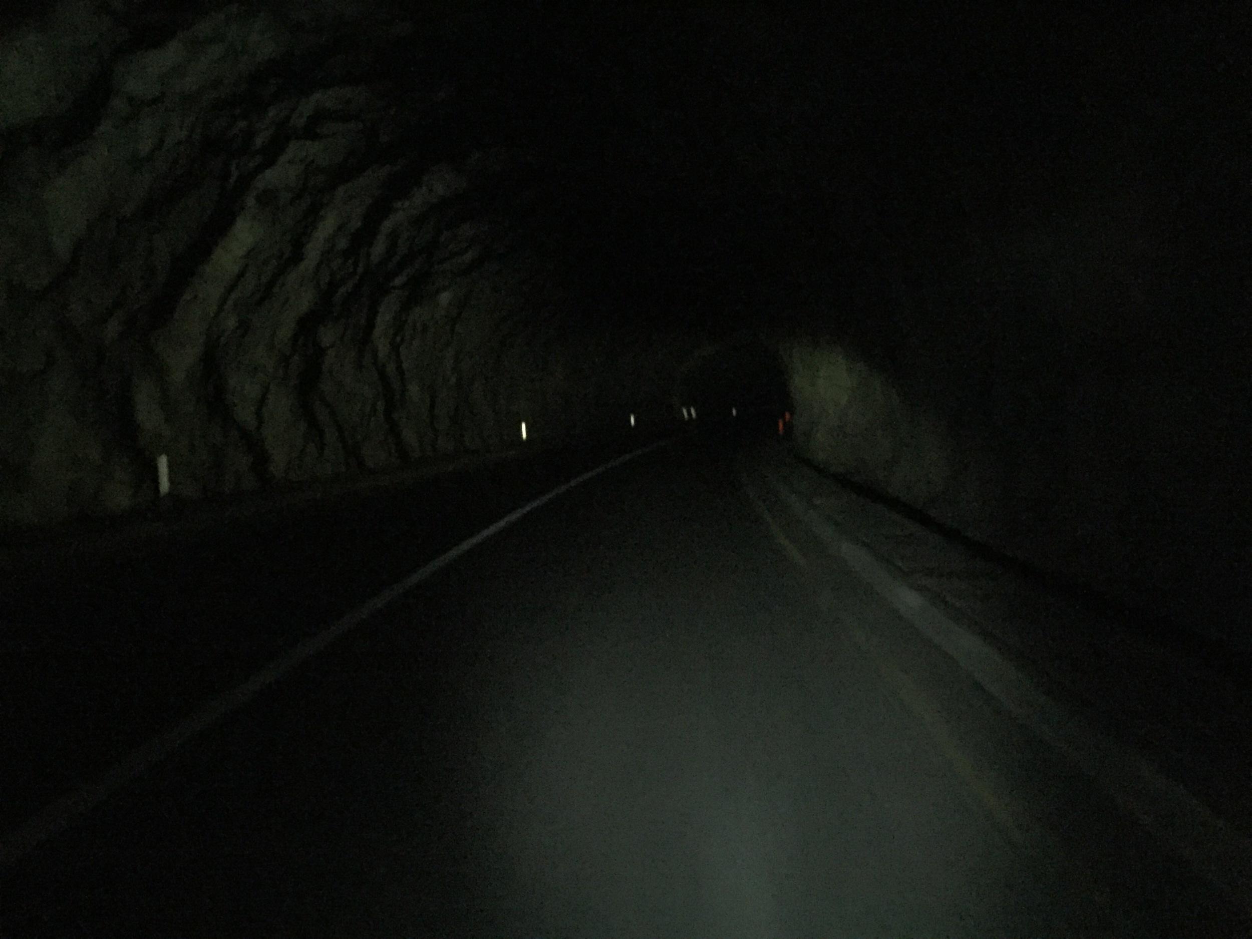 À l'intérieur d'un des innombrables tunnels.