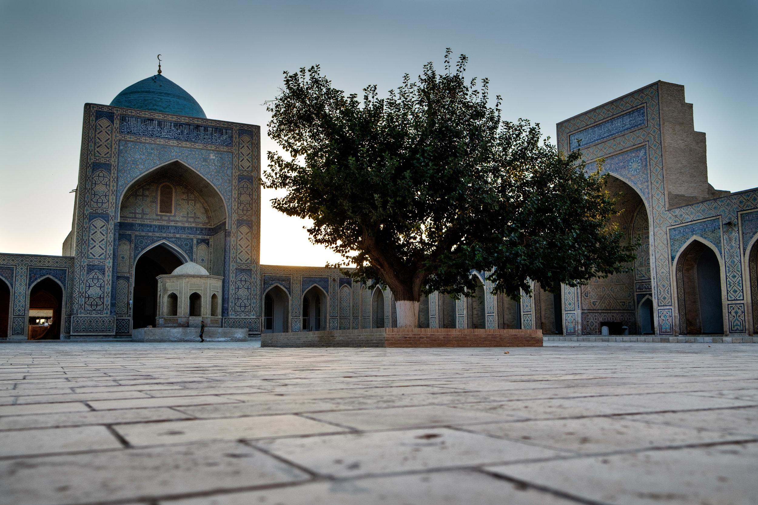 La mosquée Kalon de Bukhara, bâtie au début du 16e s.