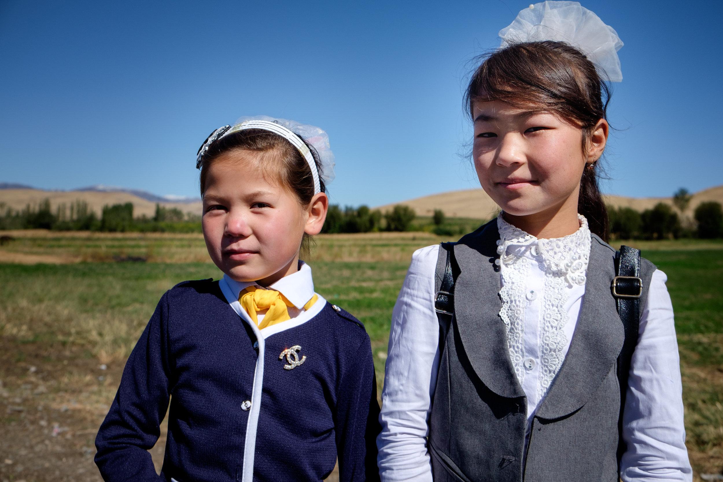 Des écolières kirghizes.