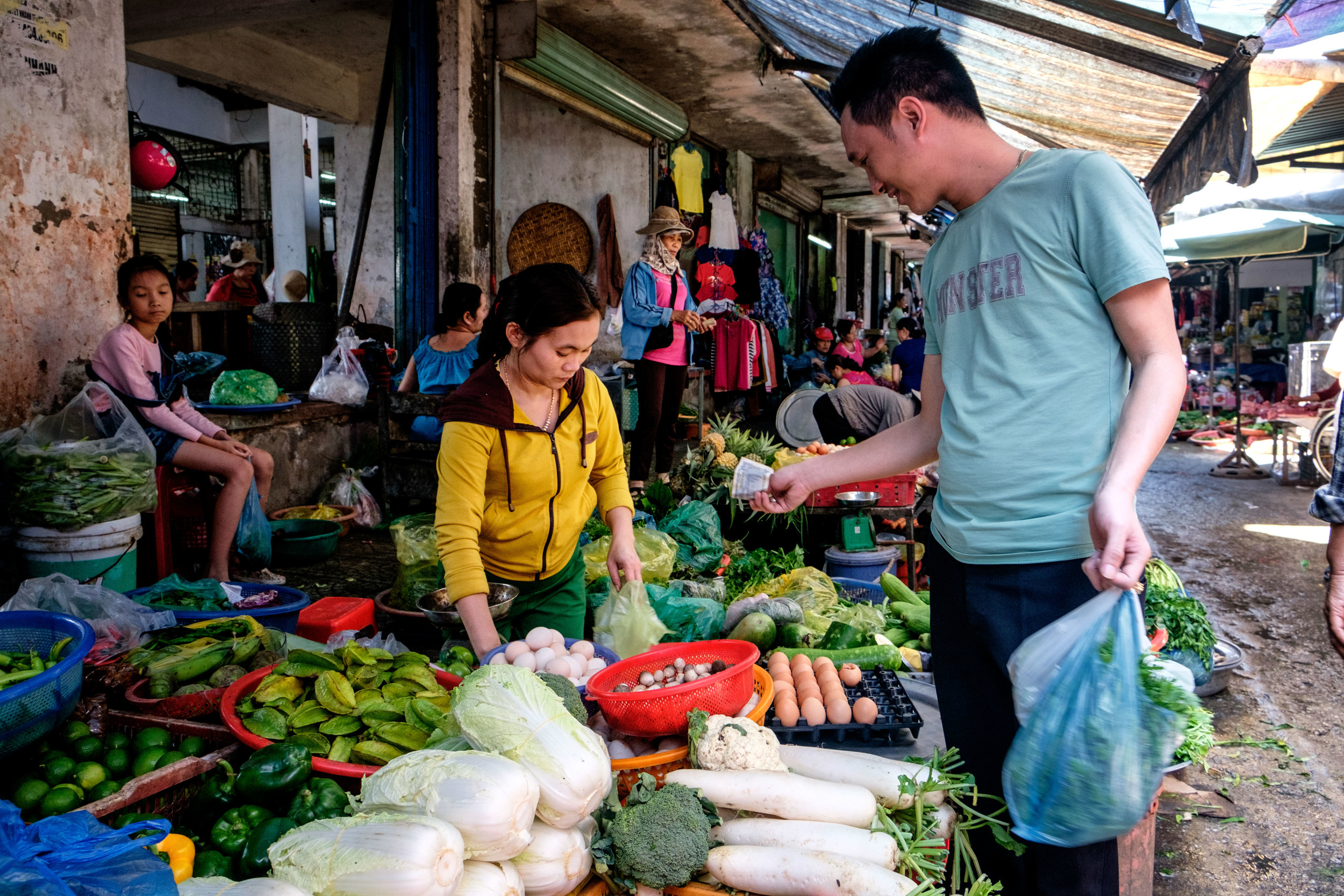 Visite du marché avec Trach.