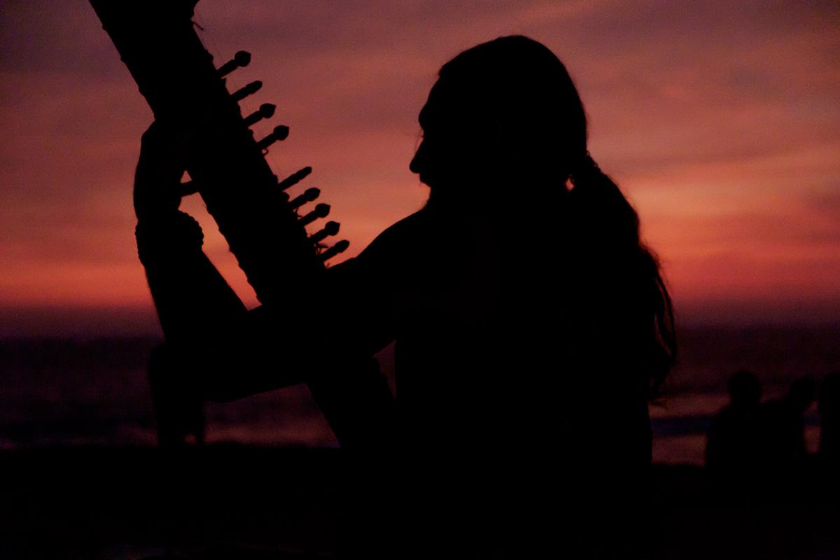 Un joueur de cithare au coucher du soleil, ça méritait une photo !