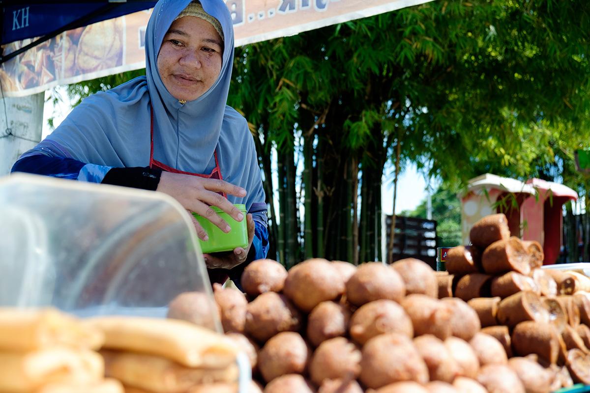 On ne serait pas en Malaisie sans la friture de bord de route.