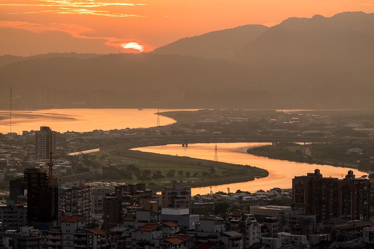 Vue sur la banlieue nord de Taipei.