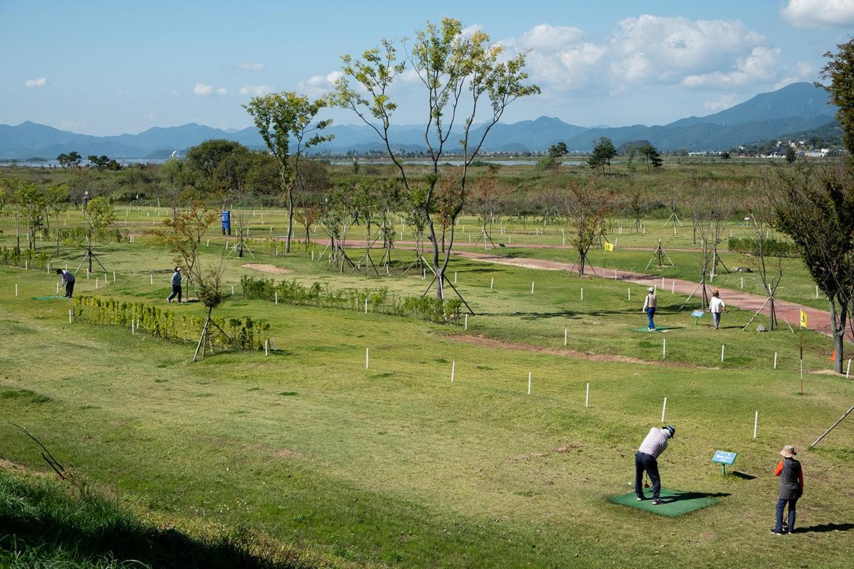 Version coréenne du « mini-golf ».