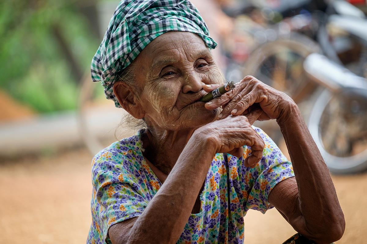 La fumeuse birmane.
