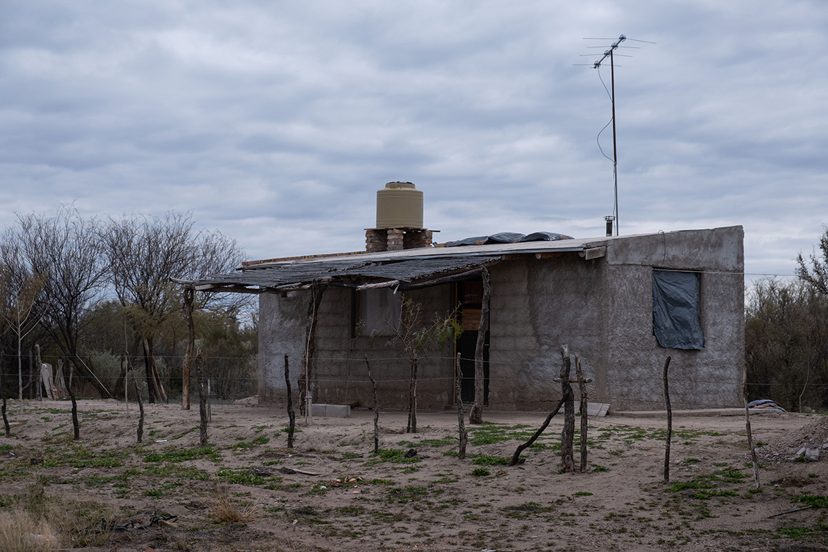 Quelques maisons pauvres dans l'ouest de l'Argentine.