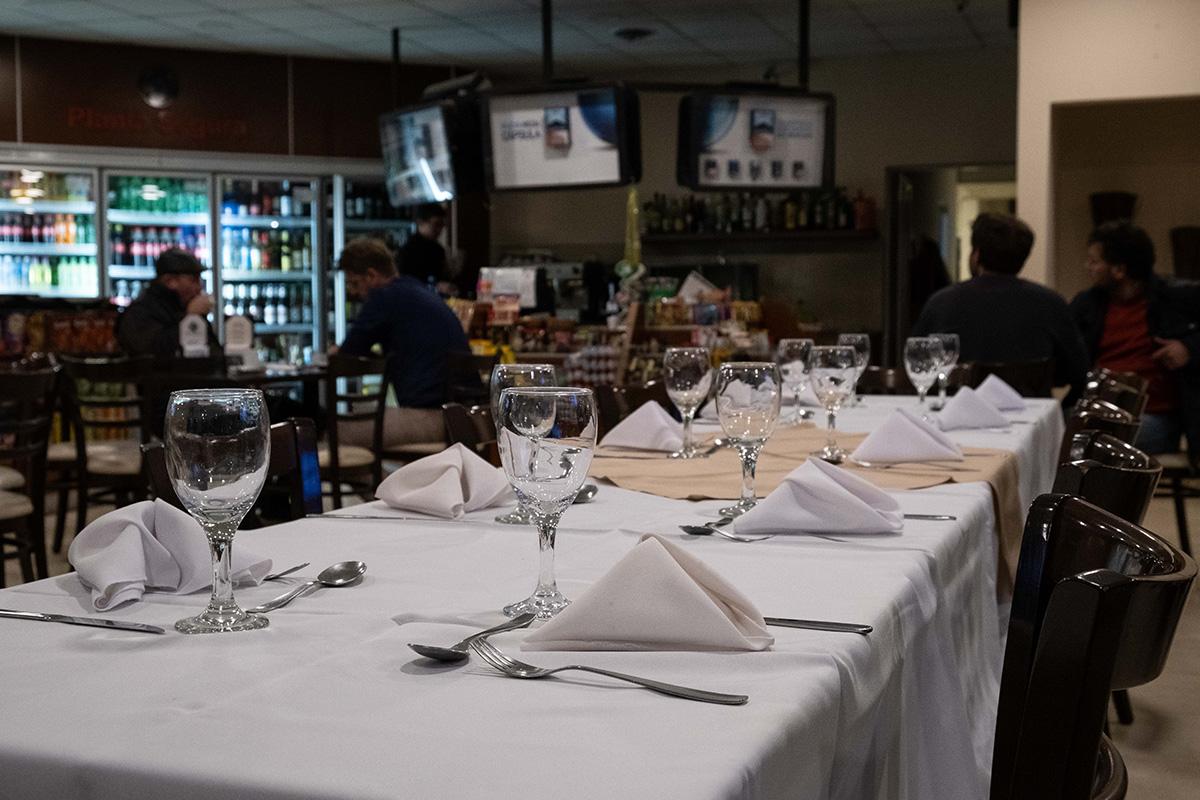 La station-service/restaurant 5 étoiles du village.