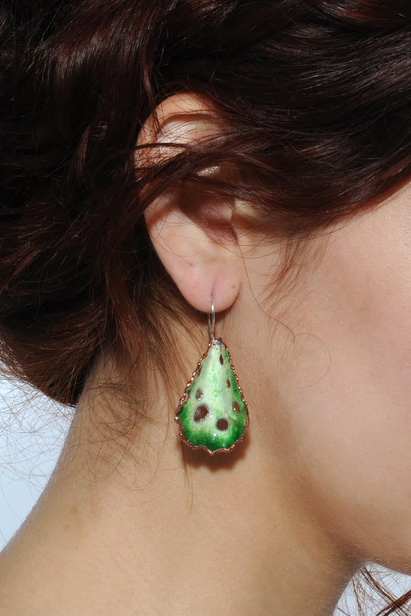 Earring_OliveGreen_a.jpg