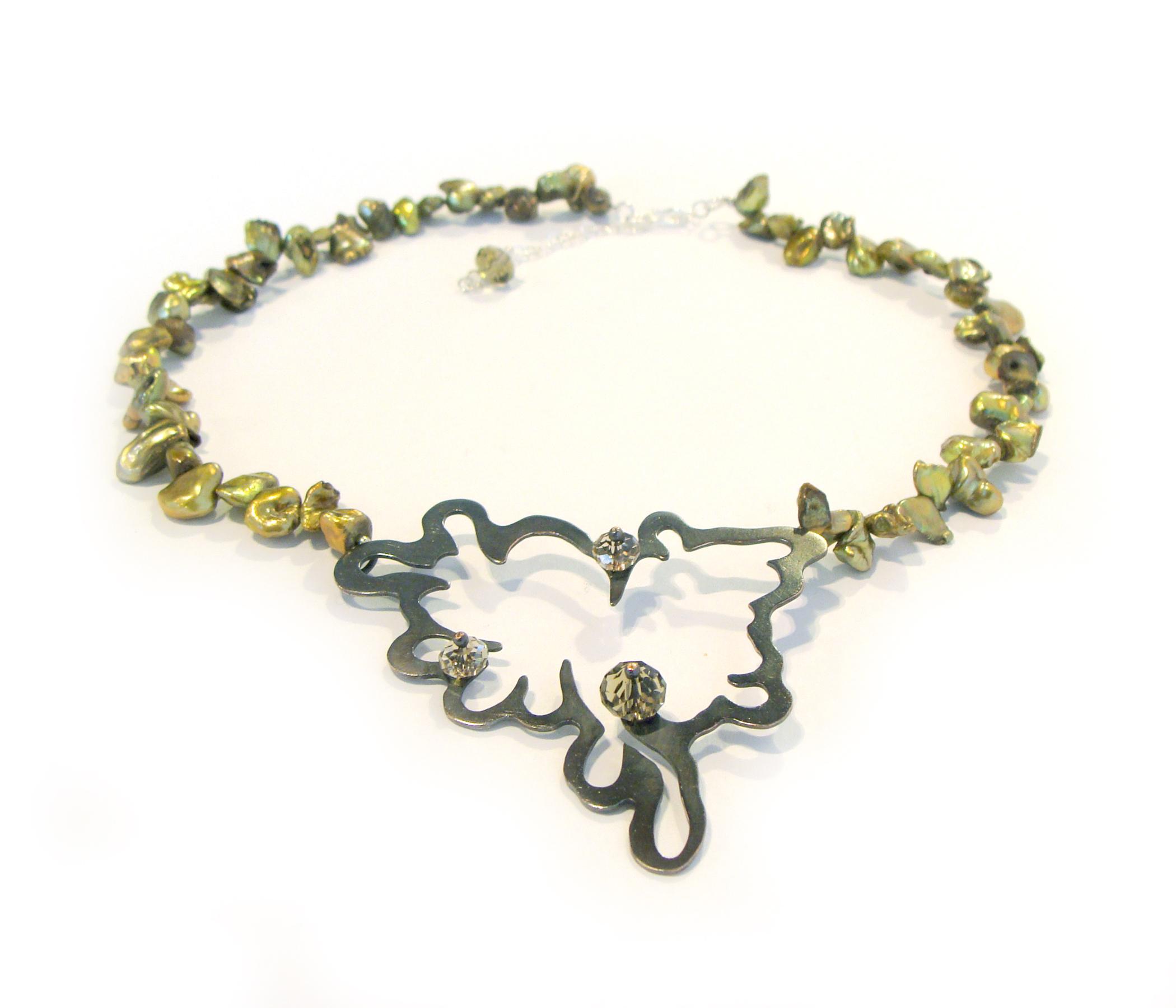 Necklace_1b.jpg