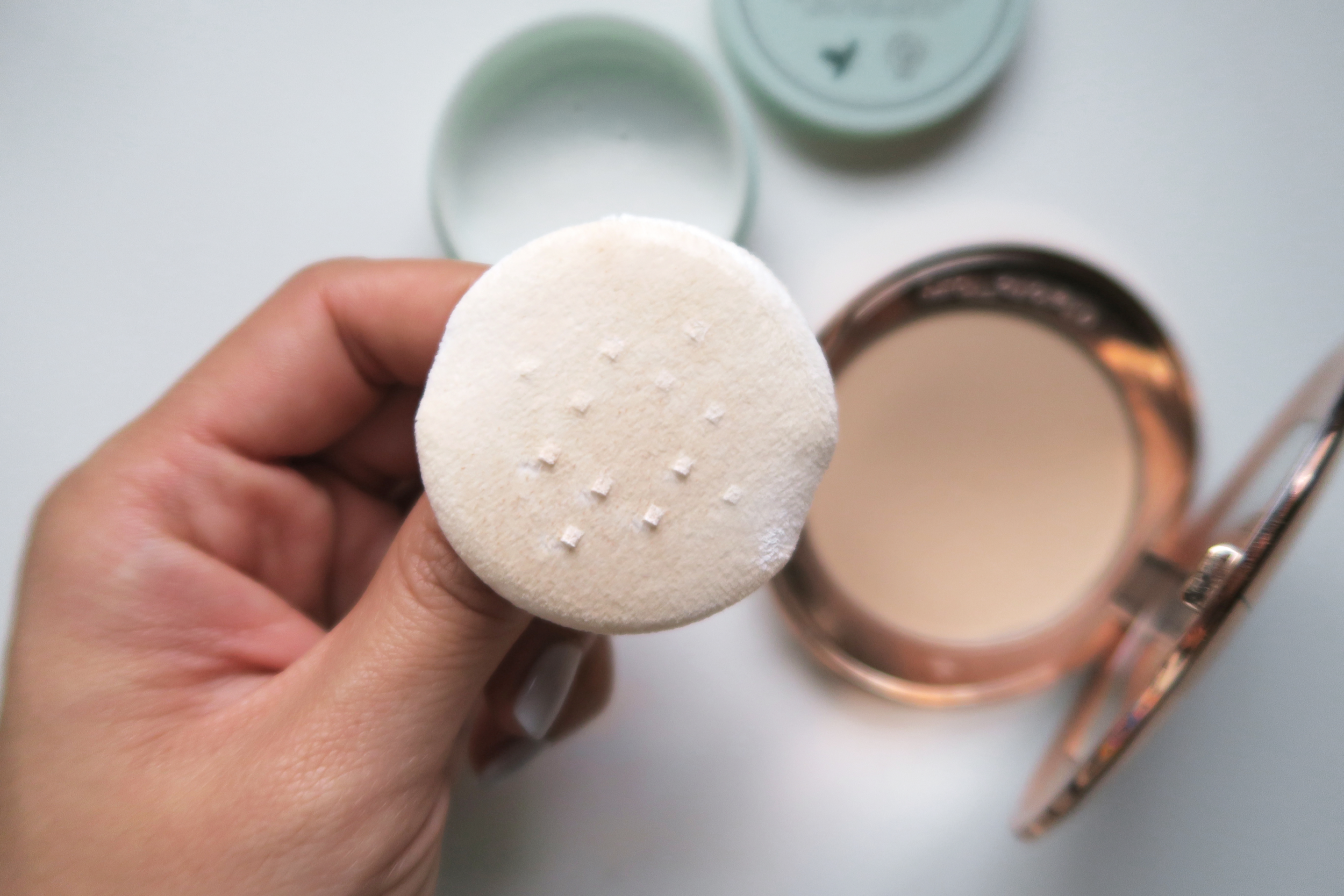 pressed powder vs loose powder